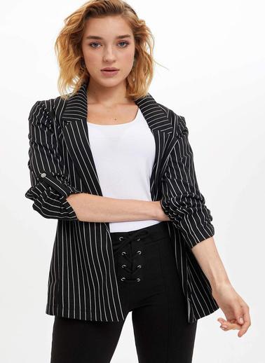 DeFacto Katlanabilir Kollu Çizgili Blazer Ceket Siyah